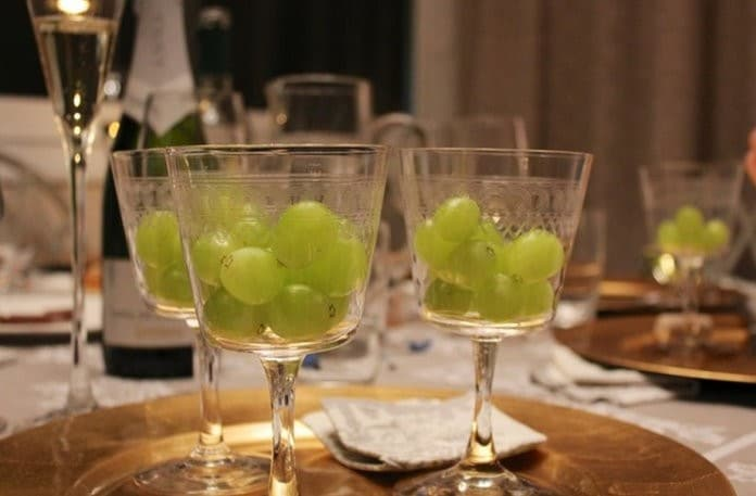 grape new year italy